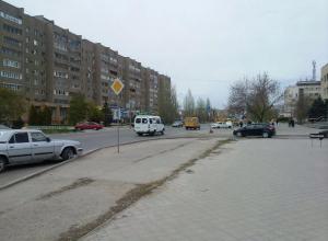 Автолюбители добились от мэрии Волжского пешеходных переходов на улице Мира