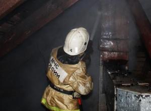 Три хозяйственные постройки сгорели в Среднеахтубинском районе