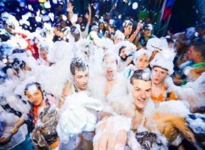 Выходные в Волжском: пляжная дискотека, «Парад колясок» и спортфест