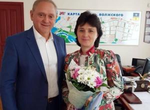 Мэр Волжского решил кадровые вопросы администрации