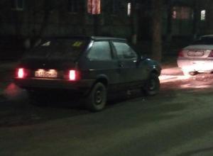 Неадекватный волжанин на авто друга устроил ДТП во дворе Волжского