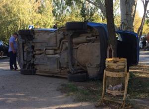 На перекрестке в Волжском появилась машина-перевертыш