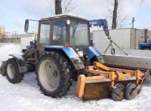 Волжанам предложили уборку снега трактором