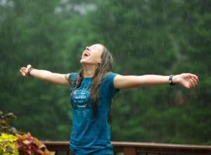 Дождь вызвали волжане мольбой о спасении от жары