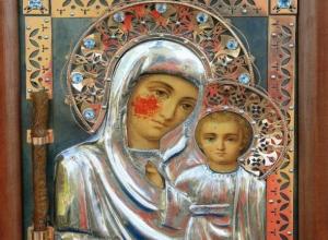 Чудотворную кровоточащую икону привезут в Волжский