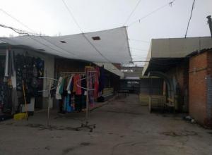 Уборка на миллион: на рынках в Волжском решили подмести снег с марта по май