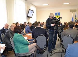 Вопросы медицины в Волжском обсудили областные депутаты на специальном совещании