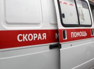 Пострадавшего мотоциклиста увезли на «скорой» после ДТП с «пятнашкой»