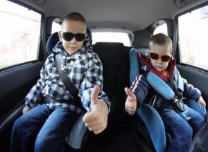 Детское кресло - лучшая защита от последствий аварии, - сотрудник ОГИБДД Волжского прокомментировал новые правила дорожного движения