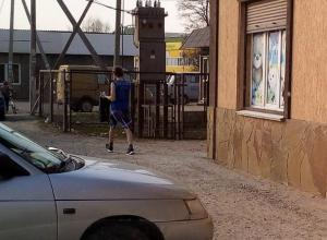 Папин бродяга: горячий парень разделся для прогулки в Краснослободске