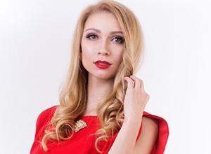 Сногсшибательная блондинка Елена Яшина победила в голосовании за «Миссис Волжского-2017»