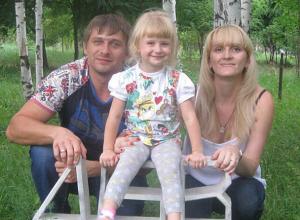 Трехлетняя девочка, которую родители оставили в детской комнате в ТРК «ВолгаМолл» в Волжском, сбежала из под носа администраторов
