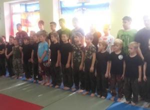 Более 40 воспитанников Федерации казачьего рукопашного боя сразились в Волжском