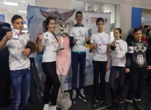 Команда «Стальные уши» выиграла кубок на ледовых состязаниях в Волжском