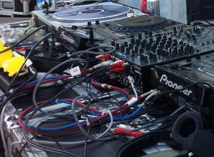 Психоделической музыкой все выходные сводили с ума жителей новой части Волжского