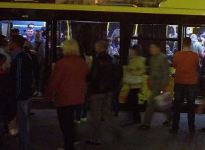 С транспортным коллапсом столкнулись волжане после массового празднования в центре города