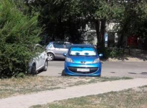 Волжанка встретила машину из мультика «Тачки»