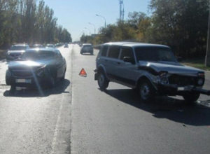 Водитель «Нивы» отправился в больницу после ДТП в Волжском