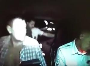 Герой видеоролика, расстрелявший полицейских в Волжском, откровенно рассказал о событиях скандального вечера