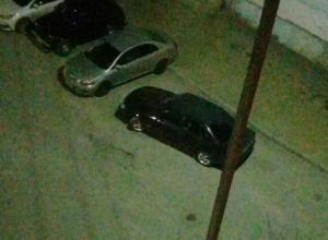 Автохам занял три парковочных места во дворе, - волжанин