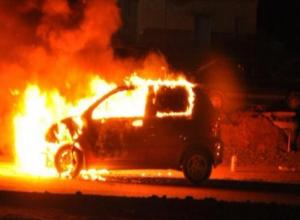 Ночью в Волжском по неизвестной причине загорелся Daewoo Matiz