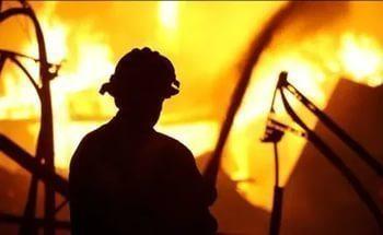 В Средней Ахтубе баня была охвачена языками пламени