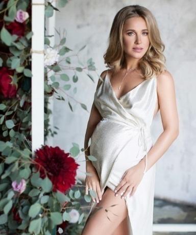 Где юлия ковальчук беременна 25