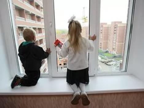 Малыши региона травмируются ежедневно: волжских и волгоградских родителей призывают быть бдительными