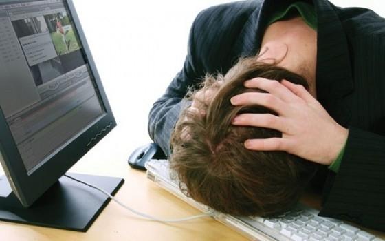 Порно-хакер и его подружка из Волжского выводили компьютеры из строя, прикрываясь полицией