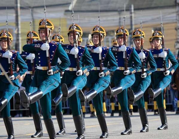 Волжский военкомат набирает в Президентский полк
