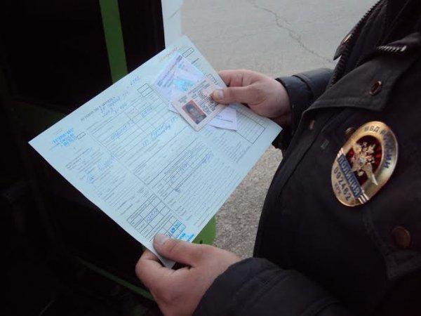 В Волжском водители общественного транспорта пренебрегают правилами безопасности