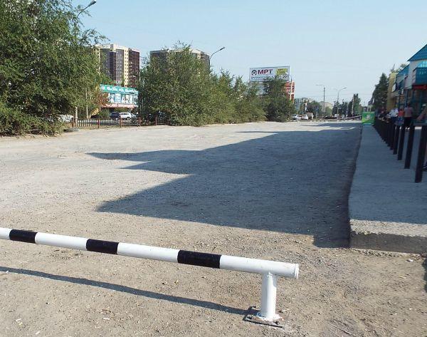 В Волжском перекрыли-таки злачную парковку у «Реала»