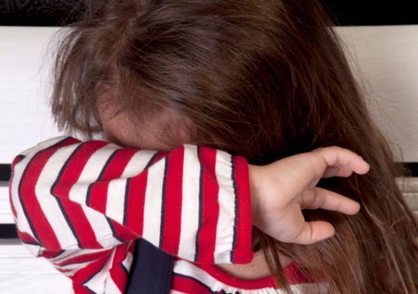 Безработная волжанка содержала 8-летнюю дочь в антисанитарных условиях и регулярно била девочку