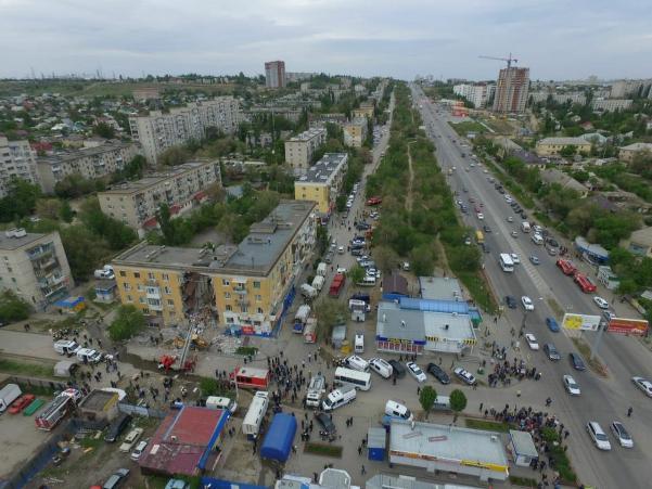 Взрыв волгоградского жилого дома попал на видео