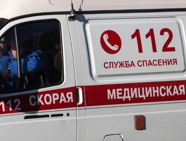 Пассажир «Рено» отправился в больницу после столкновения в Волжском