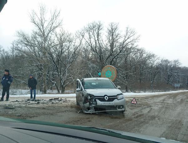 ВСреднеахтубинском районе столкнулись 2 иномарки: пострадал 7-летний школьник