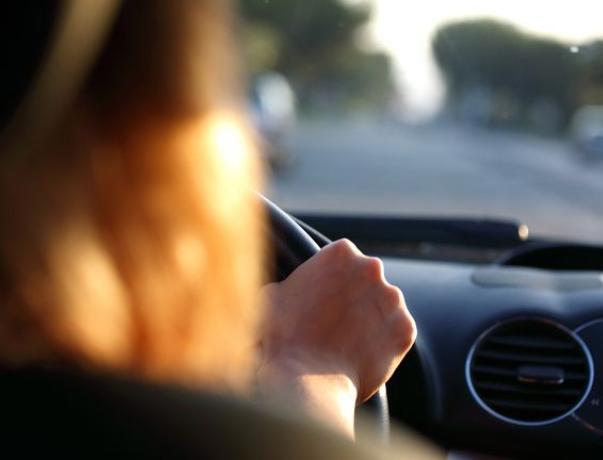 Женщина пострадала от столкновения автомобилей