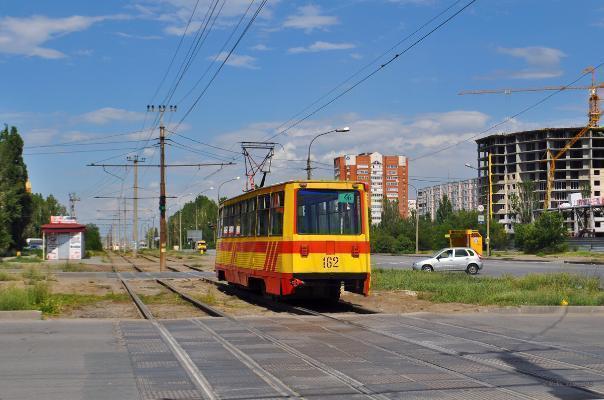 Автомобили в Волжском поедут по одной полосе
