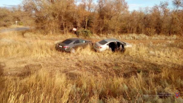 Водитель на Toyota во время обгона влетел в Nissan в Быковском районе