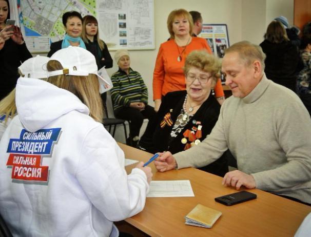 Мэр Волжского Игорь Воронин признался, что уважает Путина