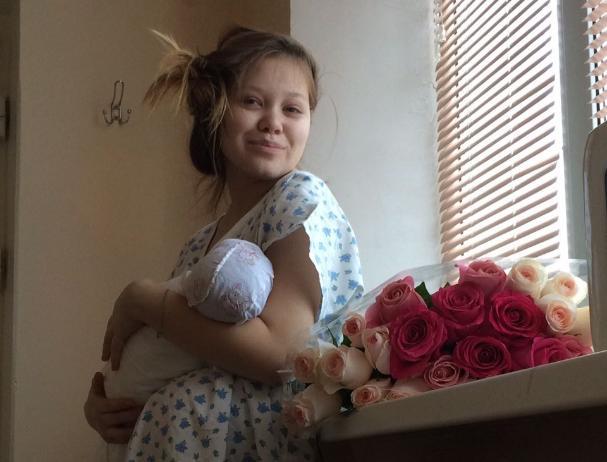 Первую новорожденную в Волжском назвали Полиной