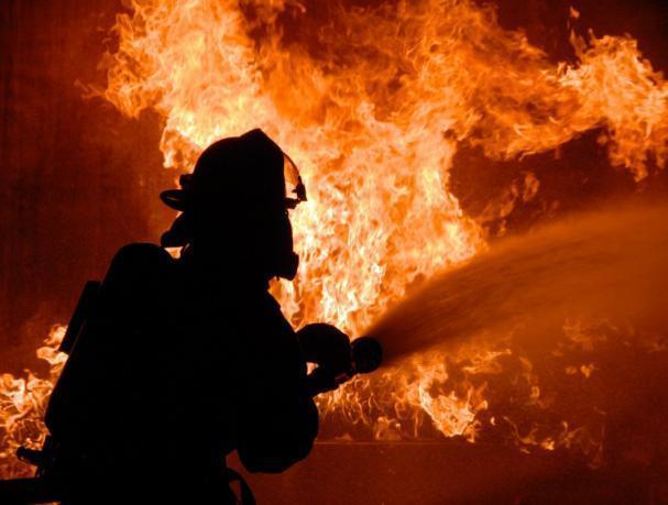 Ночной пожар оставил волжанина без бани