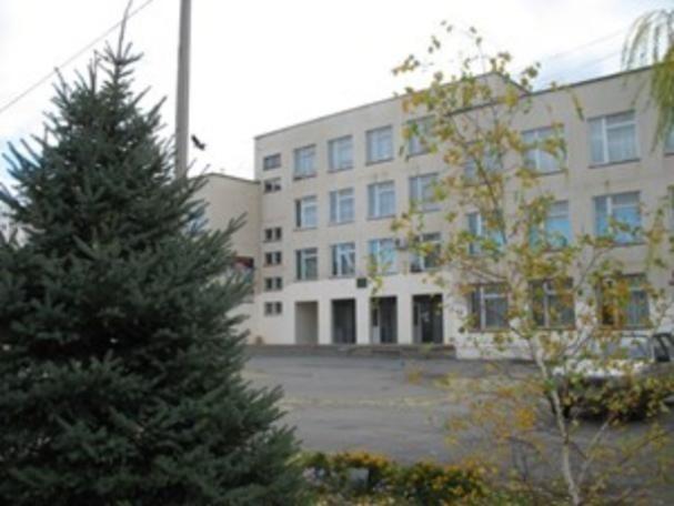 Школы Волжского поборолись в конкурсе на лучший двор