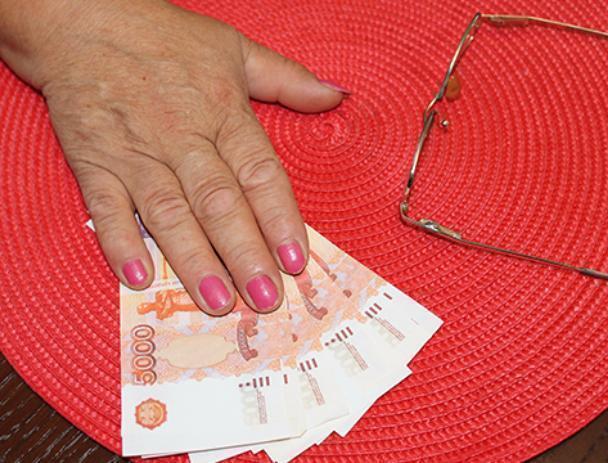 Затри месяца волжанка перечислила мошенникам полтора млн руб.