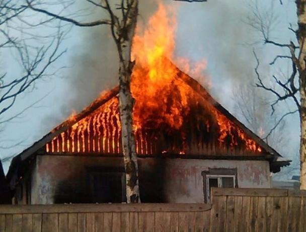 Пенсионер сгорел заживо в своем доме под Волжским