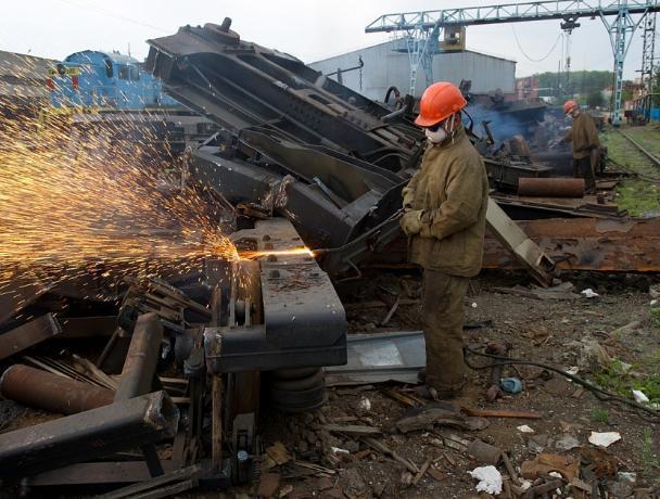 В Волжском наказали приемщиков металла