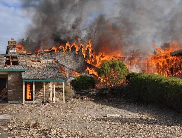 В Волжском обеспокоены пожарной обстановкой