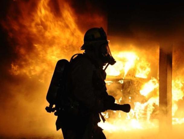 Два частных дома горели в Среднеахтубинском районе