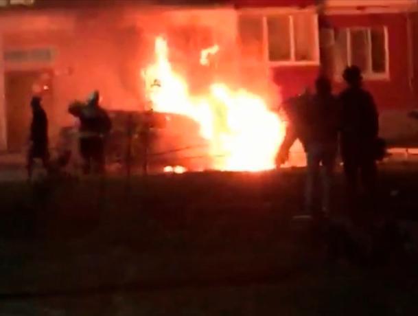За прошедшие сутки частный дом и автомобиль пострадали в огне