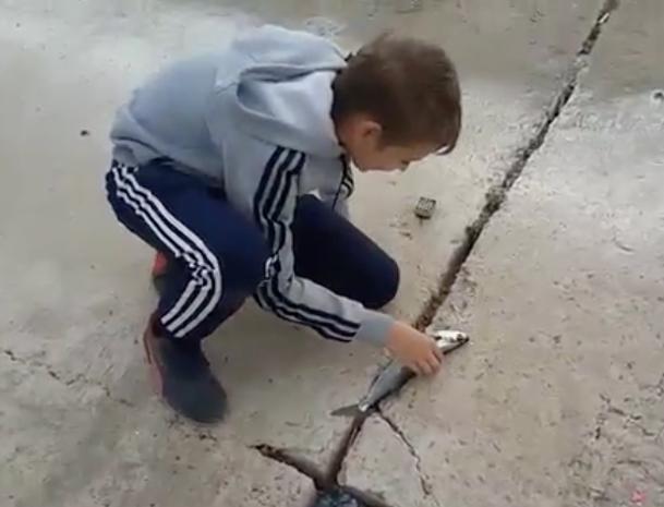 Волжанин научил своего сына незаконно рыбачить